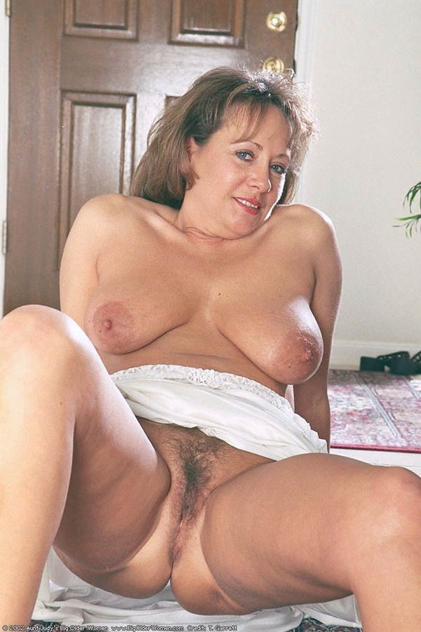 Hot black mature women