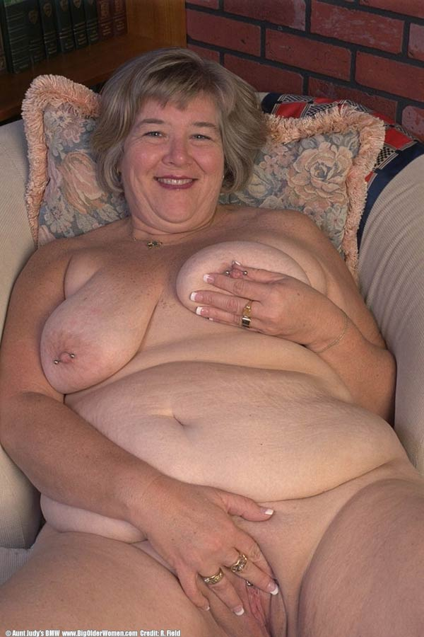 Fat mature women seems me